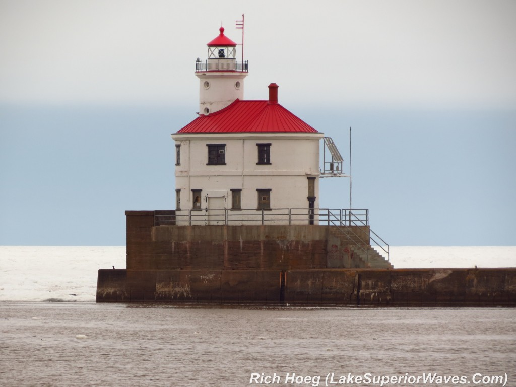 103-Birds-365-Superior-Entry-Lighthouse