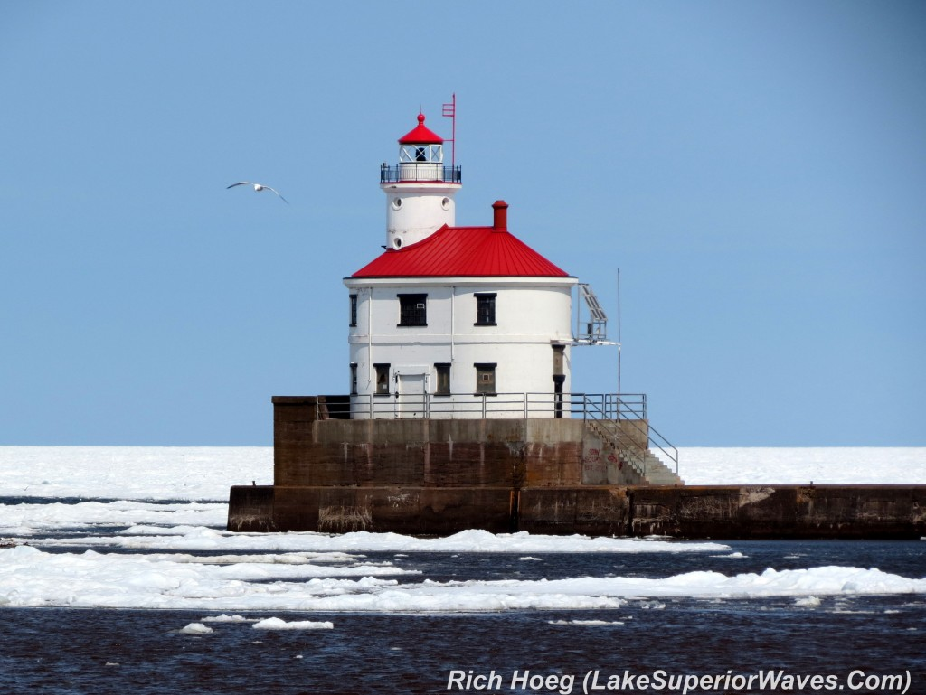 Superior-Entry-Lighthouse-1