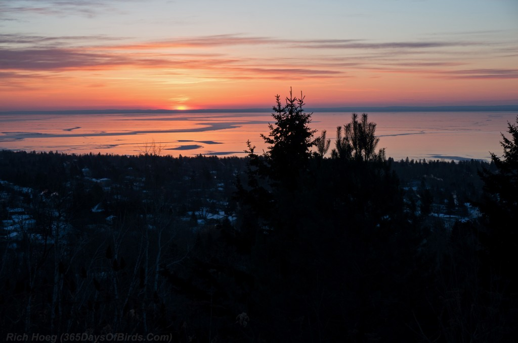 Hawk-Ridge-Night-Bookends-Lake-Superior-Sunrise