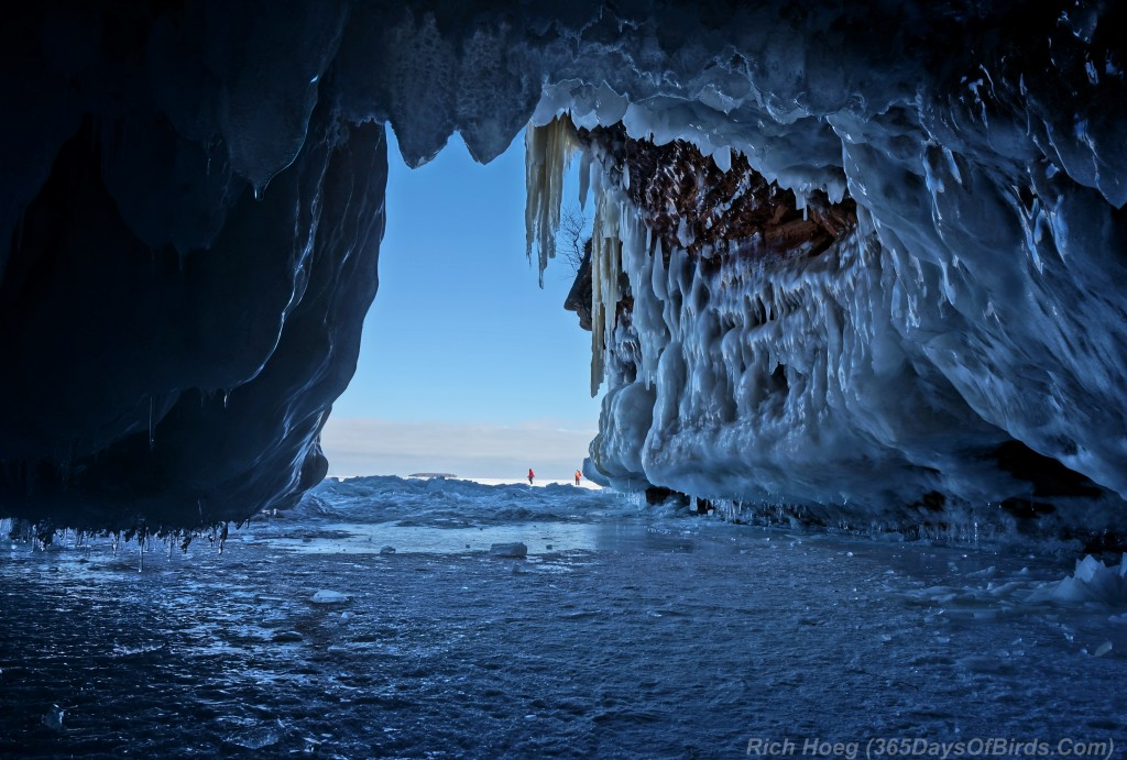Y2-D040-Apostle-Islands-Ice-Caves-2