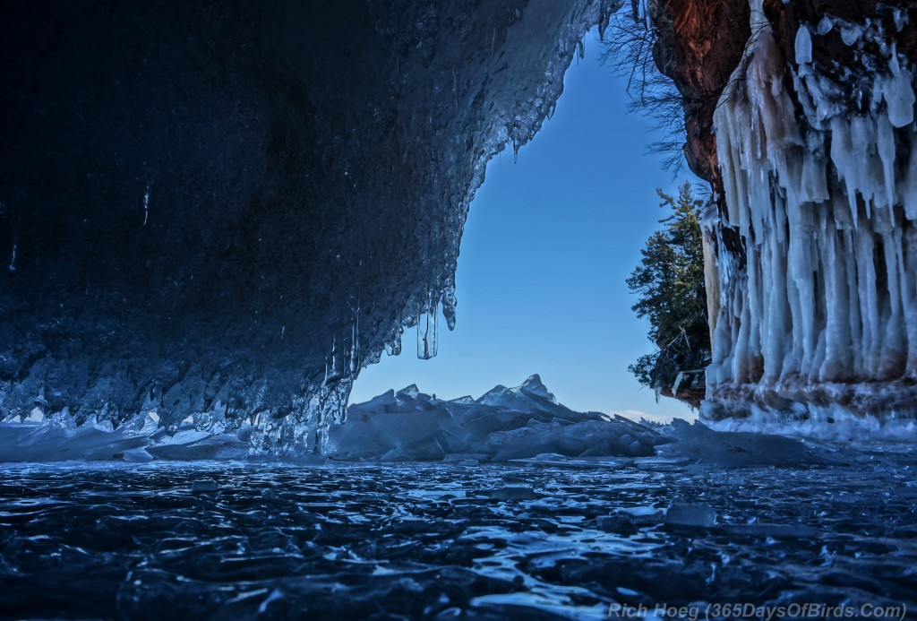 Y2-D040-Apostle-Islands-Ice-Caves-5