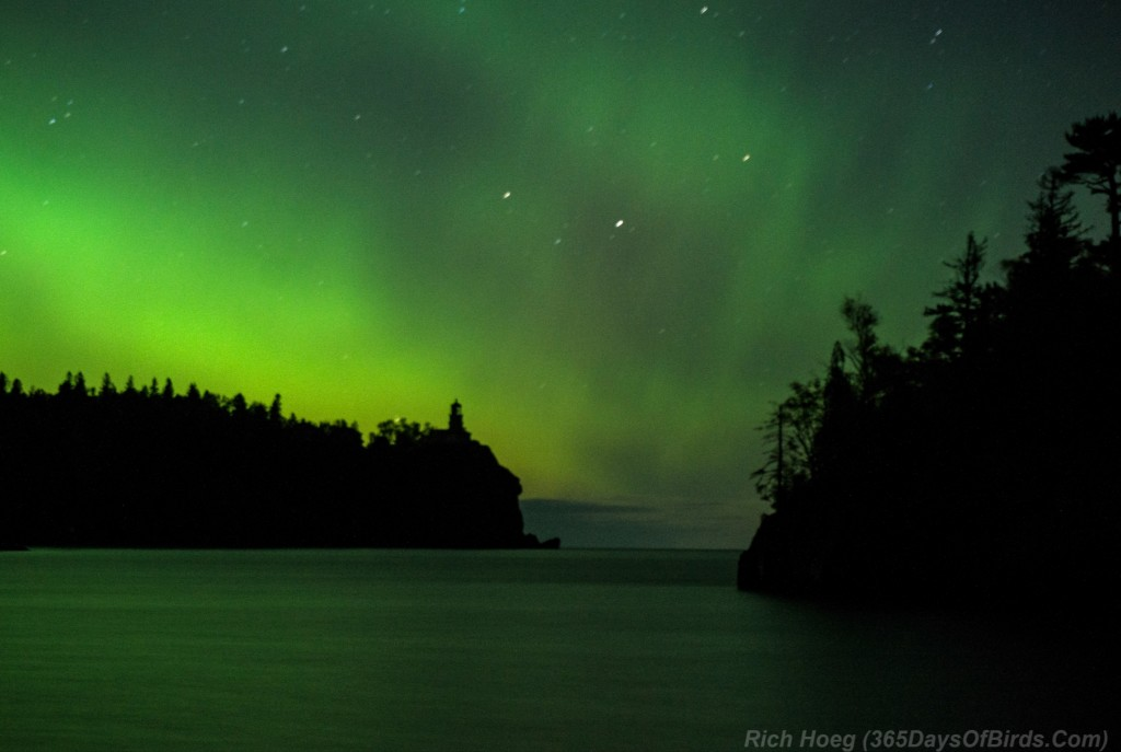 Northern-Lights-Oct-07-Splitrock-Lighthouse